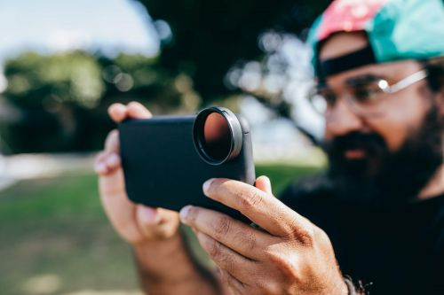 Moment Launches New 37mm Filters and Filter Mount for Your Smartphone