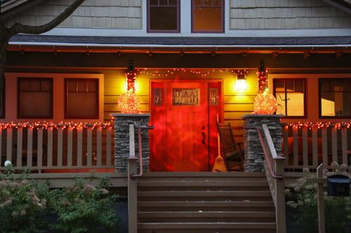 HOWL.CACKLE.RATTLE.BOO! HAPPY HALLOWEEN!