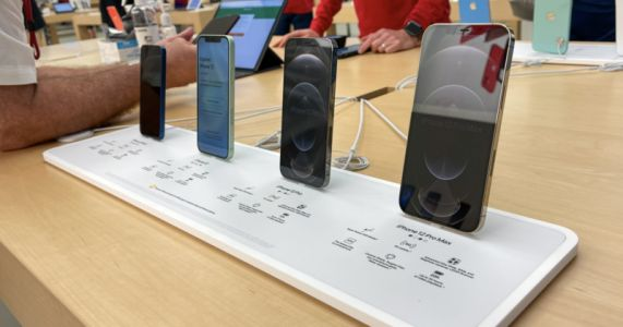 Apple is Cutting iPhone Mini Production By 20%: Report